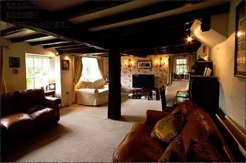 イギリス古民家の居間のようす